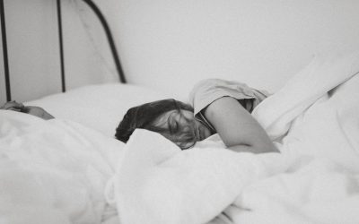 THE RELATIONSHIP BETWEEN SLEEP AND WEIGHT